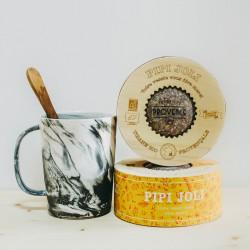 Herbal tea Pipi Joli in a wodden box