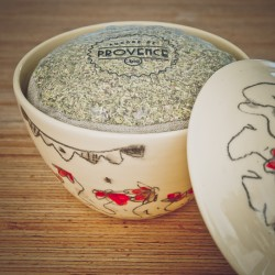 In a handmade bowl - Collection Candide - Herbes de Provence