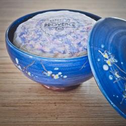 In a handmade bowl - Collection Mélitée - Sel de Camargue rose
