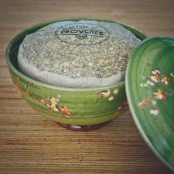 In a handmade bowl - Collection Mélitée - Organic spices for pizza